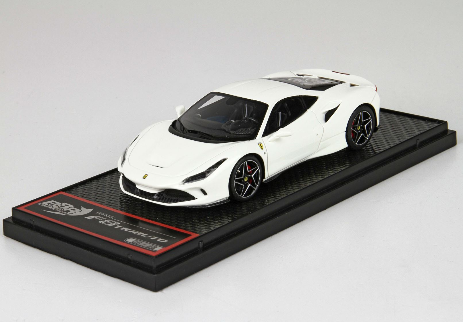 BBR BBRC224C Ferrari F8 Tributo - Avus White / Diamond shape wheels 1:43