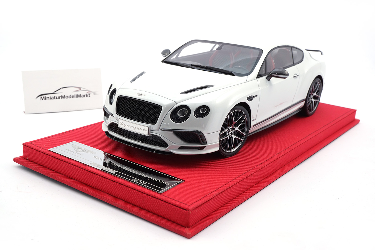 FrontiArt AS019-138 Bentley Continental Supersports - Ice 1:18