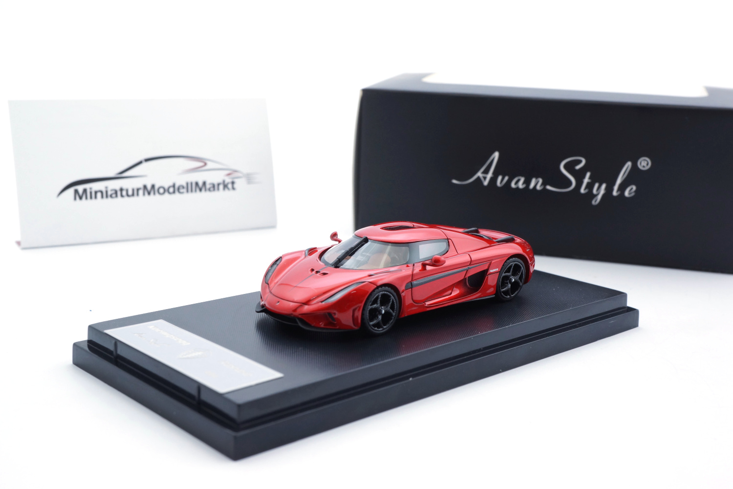 FrontiArt AS033-77 Koenigsegg Regera - Candy Apple Red 1:64