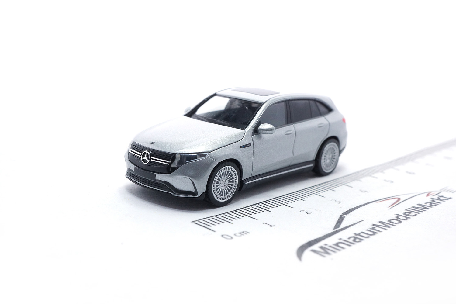 Herpa 430715-002 Mercedes-Benz EQC AMG, hightechsilber 1:87