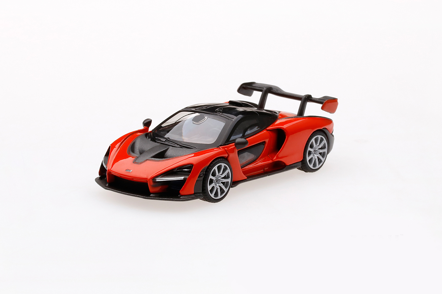 Mini GT 00018-R McLaren Senna - Mira Orange - RHD 1:64