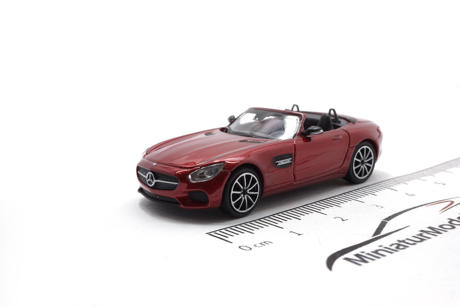 Minichamps 870037134 Mercedes-AMG GTS Cabrio - Rot - 2017 1:87