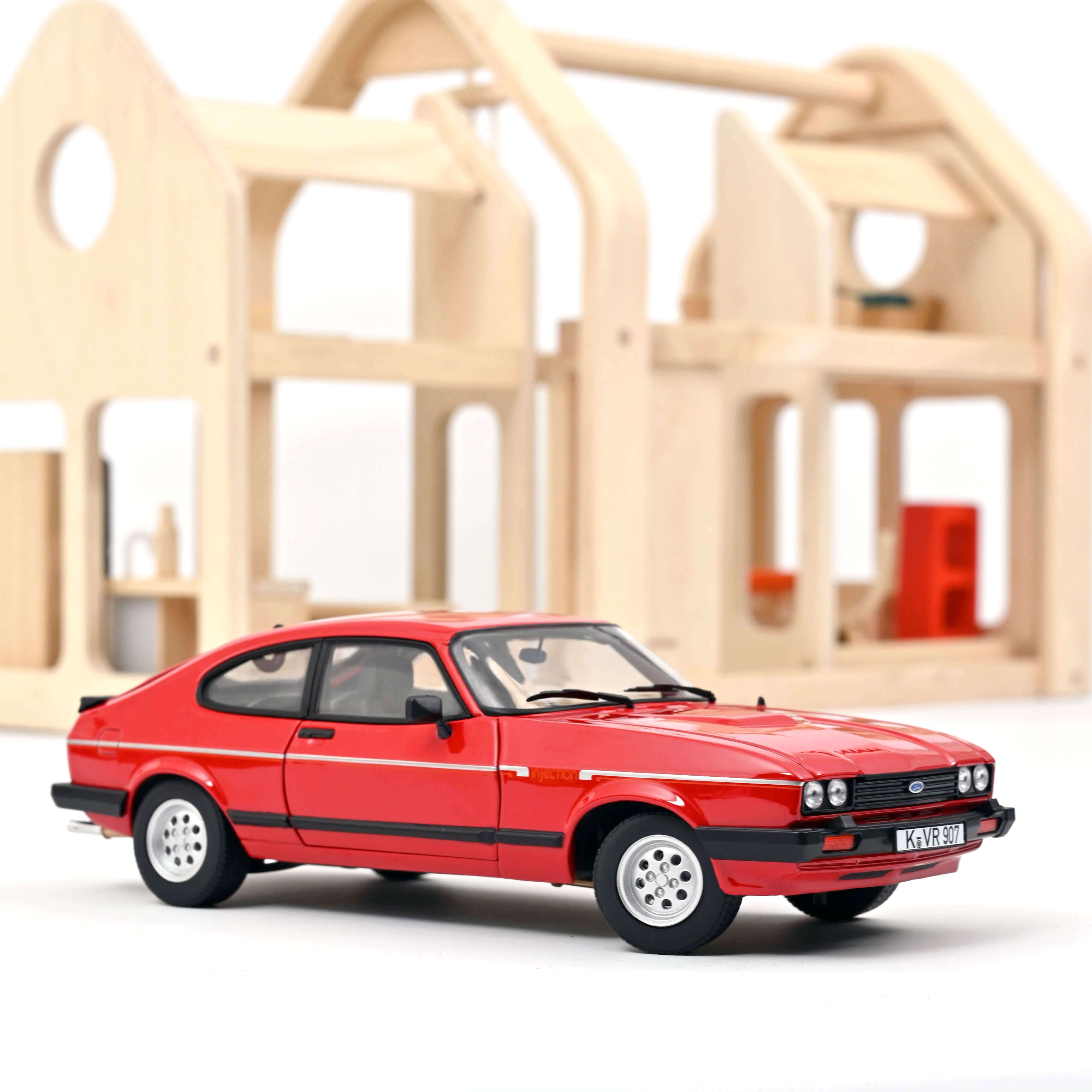 Norev 182708 Ford Capri 2.8i Injection 1983 - Rot 1:18