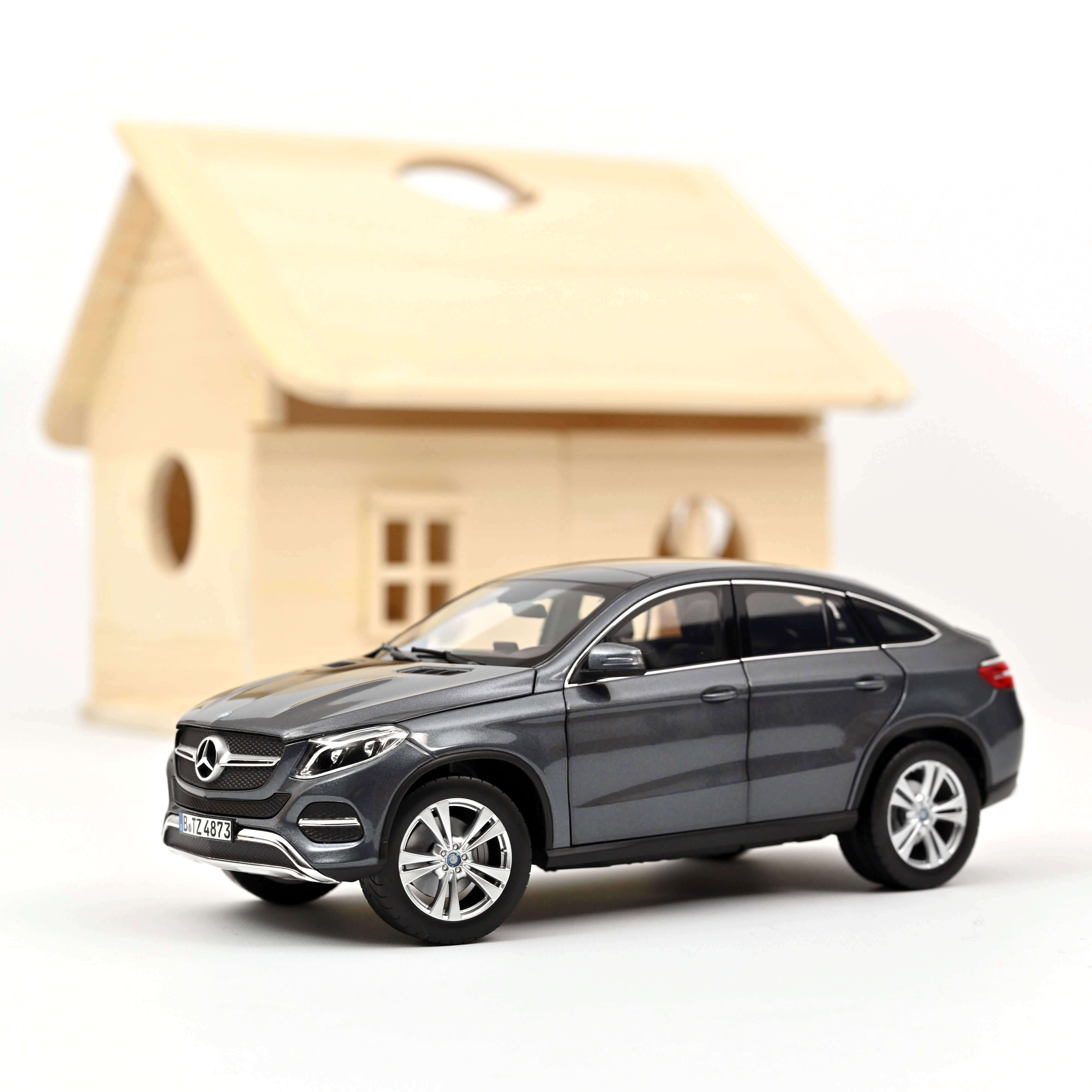 Norev 183790 Mercedes-Benz GLE Coupe - Grau metallic - 2015 1:18