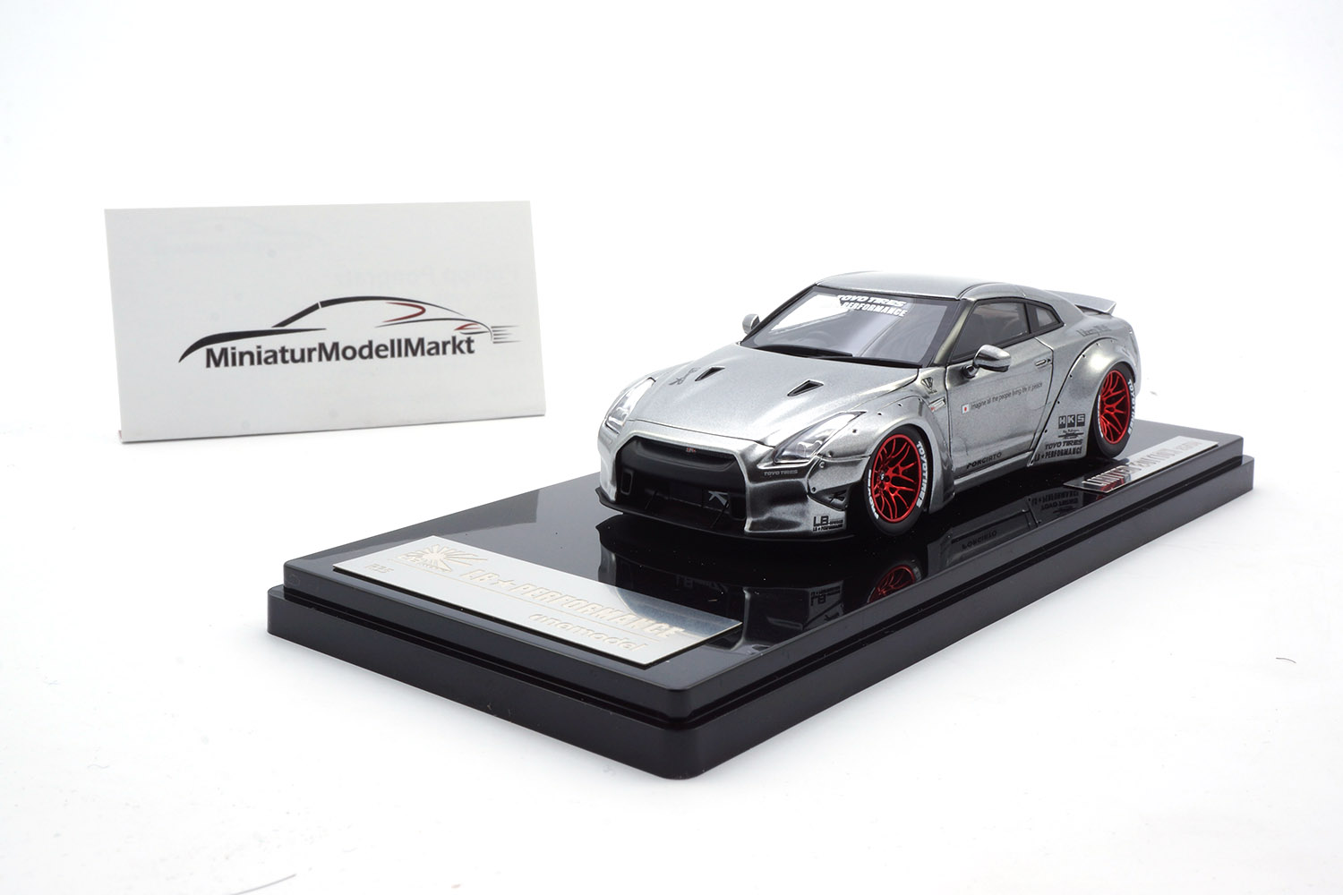 One Model 17B04-21 Liberty Walk Nissan GT-R (R35) - Chrome - Ducktail 1:43