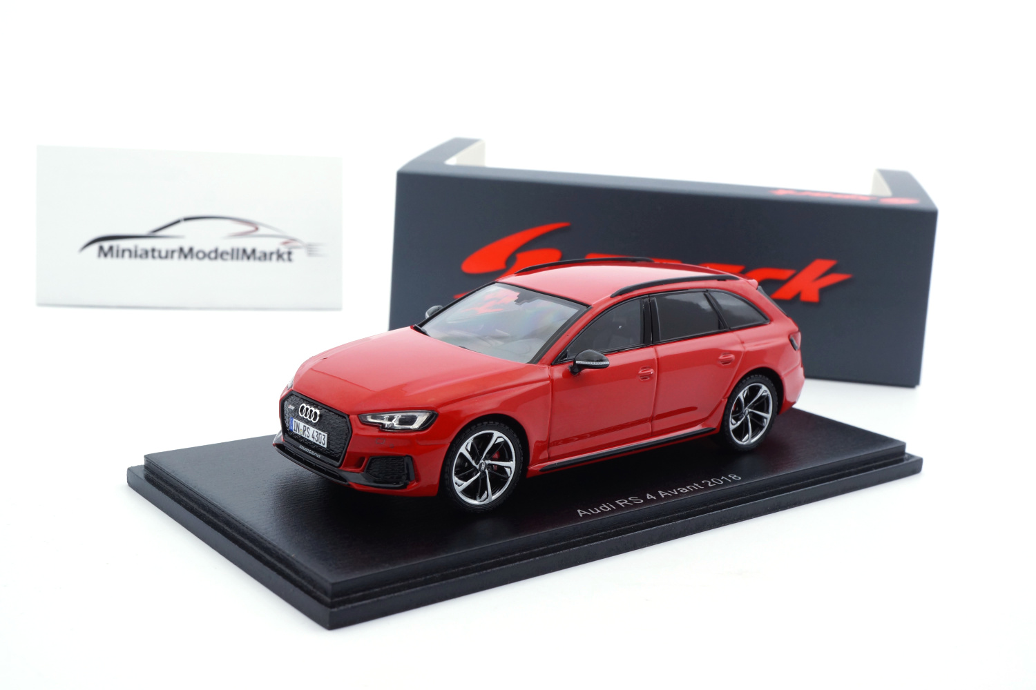 Spark S7833 Audi RS4 - Misano-Rot - 2018 1:43