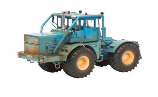 OVP Schuco 450771700 Kirovets K-700 A Blau NEU